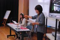 学校説明会のスペシャルナビゲーターとして今年5月に来校していただいた「峰岸由香里」先輩(左)。