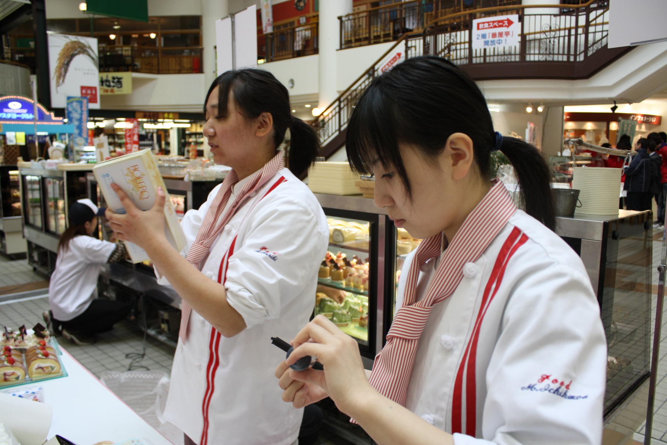 新潟の名店が勢ぞろい!!朝8時半!!お店にシェフやスタッフのもと、しっかり準備中です!!開店前です。